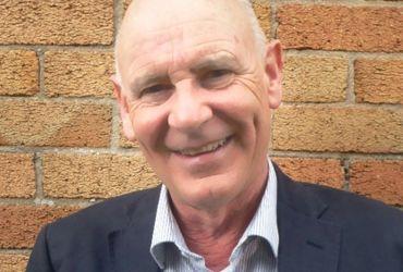 Simon Holmes